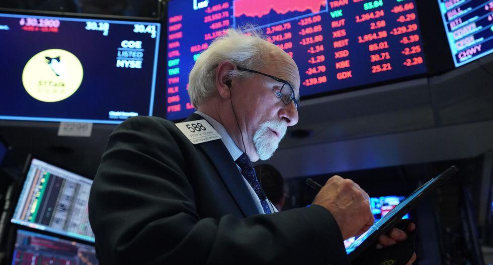 Los inversores de Wall Street aún esperan detalles del gobierno de Donald Trump sobre la ayuda prometida para estimular la economía. (Foto: AFP)