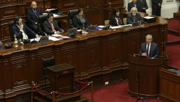 El primer ministro César Villanueva se presentó el miércoles en el Congreso. (Foto: Anthony Niño de Guzmán / El Comercio)