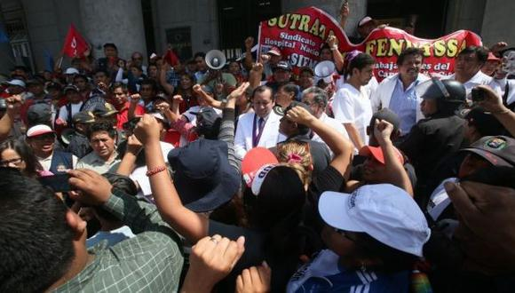 Debate: ¿Es justificada la huelga médica?