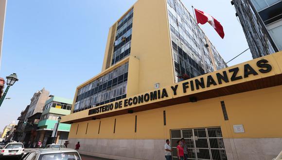 Carlos Oliva, titular del Ministerio de Economía y Finanzas (MEF), se presentó en la Comisión de Economía del Congreso. (Foto: Andina)
