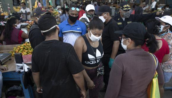 Sin distancia social: así viven la emergencia los vecinos de San Juan de Lurigancho, el distrito más poblado de Lima y el que tiene más infectados por COVID-19 (Foto: Joel Alonzo/GEC).