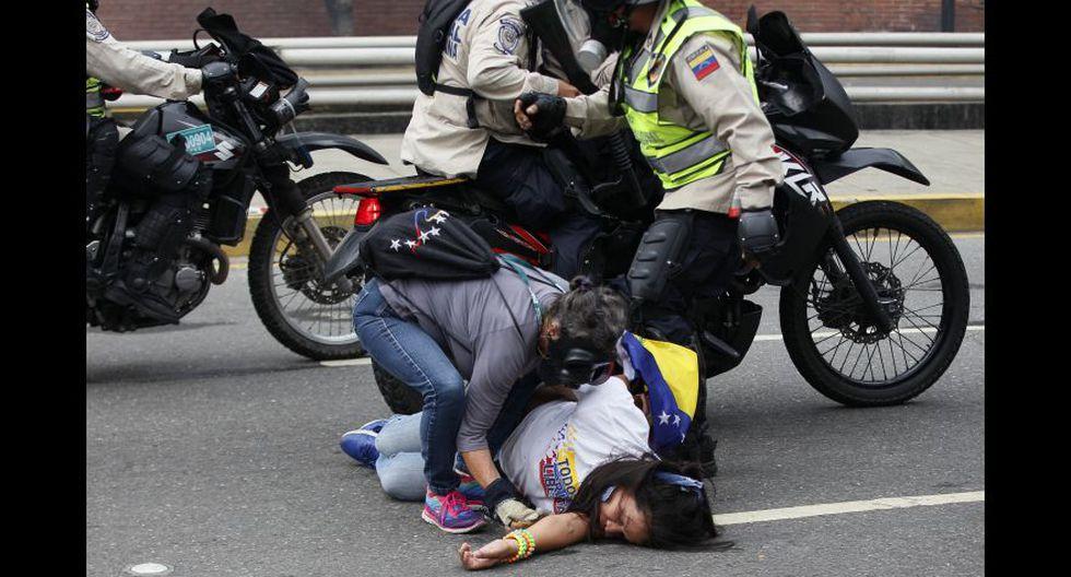 Venezuela: Duros enfrentamientos en calles de Caracas [FOTOS] - 30