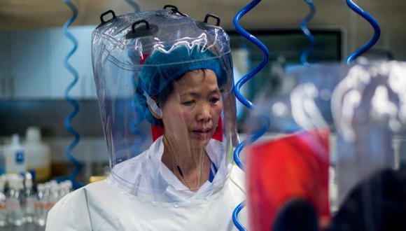 La viróloga chino Shi Zhengli es visto dentro del laboratorio P4 en Wuhan, capital de la provincia china de Hubei. (Foto: Johannes EISELE / AFP)