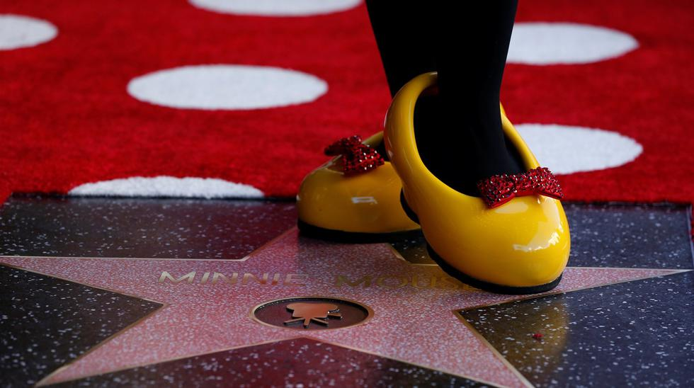 Minnie Mouse recibe estrella en Hollywood 40 años después que Mickey Mouse