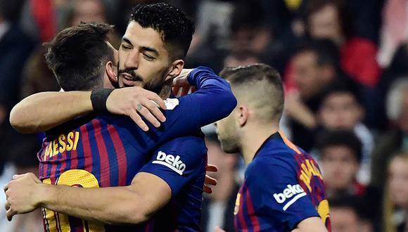 Luis Suáre anotó dos tantos en la goleada del Barcelona ante Real Madrid y clasifica a la final de la Copa del Rey.