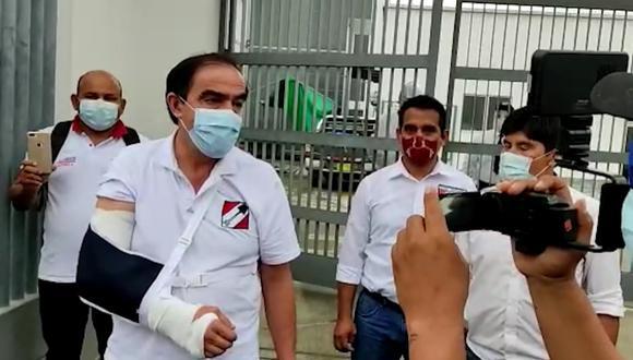 Yonhy Lescano sufrió un esguince en el codo del brazo derecho. (Foto: Captura de video)