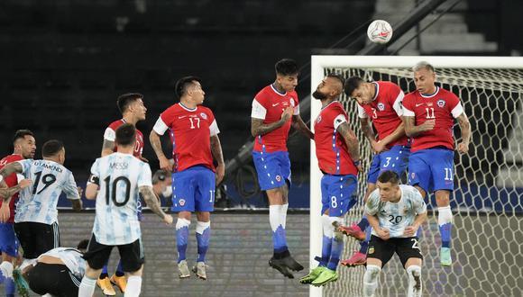 Messi abrió el marcador con un golazo de tiro libre. (Foto: AP)