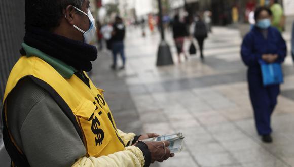 El dólar cerró al alza el lunes. (Foto: Leandro Britto | GEC)