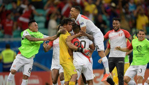 Pedro Gallese fue la gran figura de Perú frente a Uruguay, en los cuartos de final de la Copa América 2019. El arquero se recuperó del 5-0 contra Brasil y le atajó un penal a Luis Suárez. (Foto: AFP)