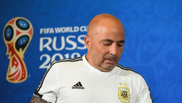 """Sampaoli dijo que la derrota con los galos """"está aún muy fresca"""" para analizarla, pero precisó que tuvo claro el aspecto """"estructural"""" del encuentro. (Foto: AFP)"""