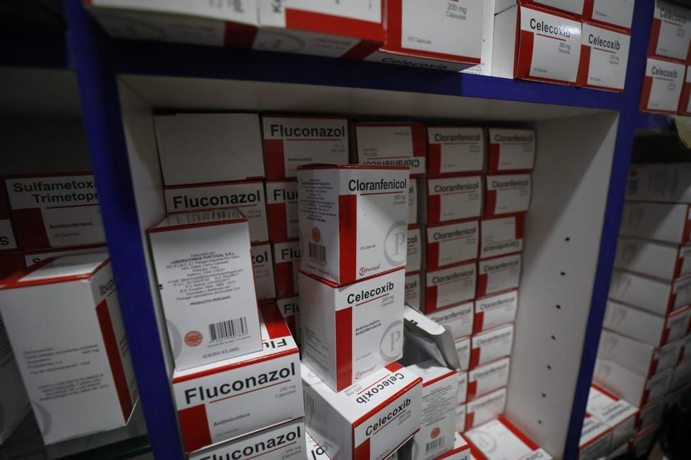 Personal de Fiscalización y Sanidad de la Municipalidad de Lima, en conjunto con la Policía Fiscal, intervino este miércoles un almacén clandestino ubicado en el jirón Paruro. (Foto: Diana Marcelo/GEC)