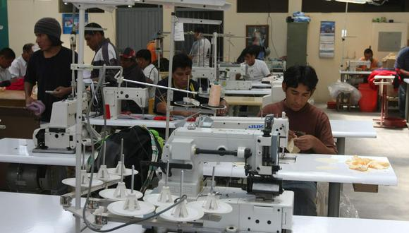 Para Márquez, uno de los sectores urgentes es el de confecciones que tiene 95 mil unidades productivas, y que directa e indirectamente emplea a un millón de personas. (Foto: GEC)