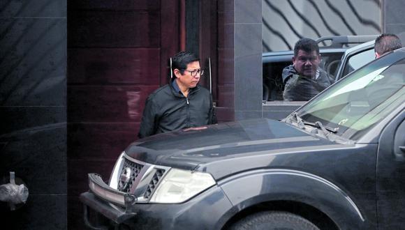 El jueves 26 de setiembre, poco después de las 7 de la mañana, una camioneta oficial con un conductor y un agente de seguridad llegó para recoger a Edmer Trujillo.