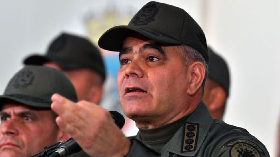 El ministro de Defensa Vladimir Padrino descartó que hubiera mandos militares acompañando a Guaidó. Foto: Getty images, vía BBC Mundo