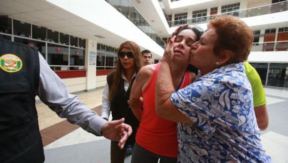 Mujer que agredió a policía fue sentenciada a 6 años de cárcel
