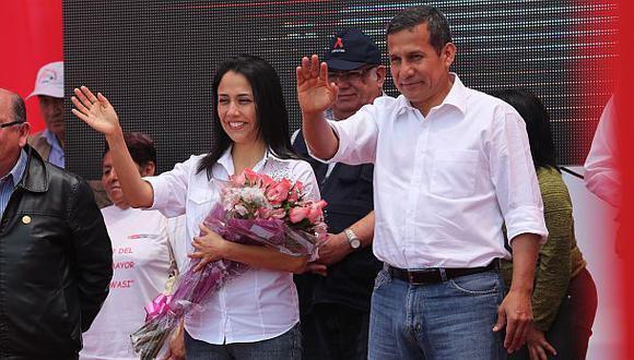 Oposición critica reaparición de Nadine en actos de Gobierno