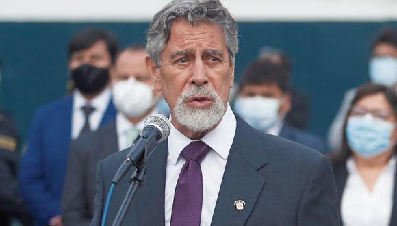 Francisco Sagasti juramentó ayer como nuevo presidente del Perú.