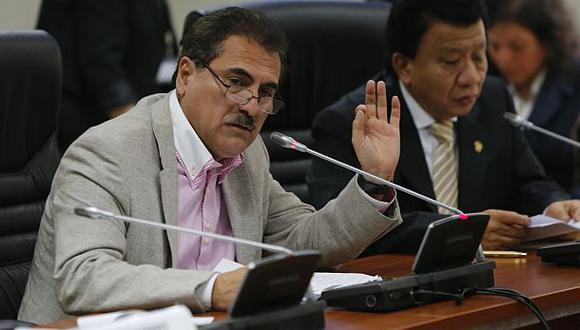 Investigación a Julio Gagó: Ética verá su caso el 14 de abril