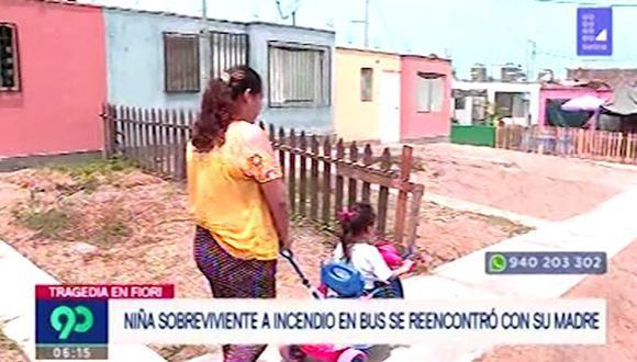 Bisabuela y tía de la niña sobreviviente fueron quienes lograron retirar a la menor del bus. (Captura: Latina)