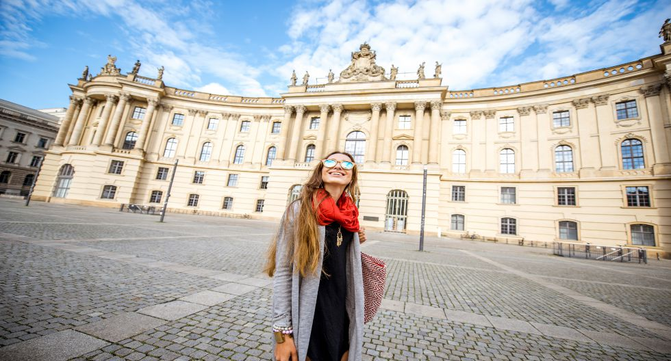 Este mes, la Biblioteca Real de Berlín abrió sus puertas. De estilo barroco, data de 1780 y se ubica en la plaza de Bebelplatz.  / Foto: Shutterstock.