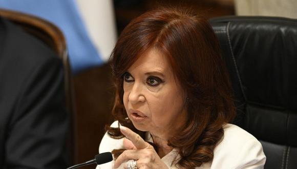 La vicepresidenta de Argentina, Cristina Kirchner, reiteró este jueves que es víctima de una persecución judicial. (Foto referencial, Juan MABROMATA / AFP).