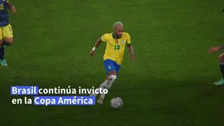Brasil sigue su marcha con polémica victoria 2-1 a Colombia