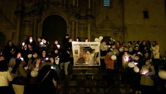Cusco: realizan vigilia por estudiante desaparecido