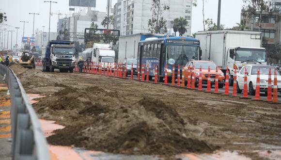 Conoce aquí cuáles son las vías alternas que pueden tomar los conductores de autos particulares y buses de transporte público para evitar el tráfico en la Panamericana Sur.  (Foto: Britanie Arroyo / @photo.gec)