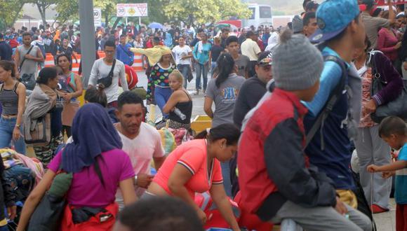 El sábado habrían ingresado 5.076 venezolanos por Cebaf de Tumbes, la tercera cifra más alta en lo que va de junio. Según la encuesta, solo el 29% de estos contaba con pasaporte (Foto: Johnny Aurazo)