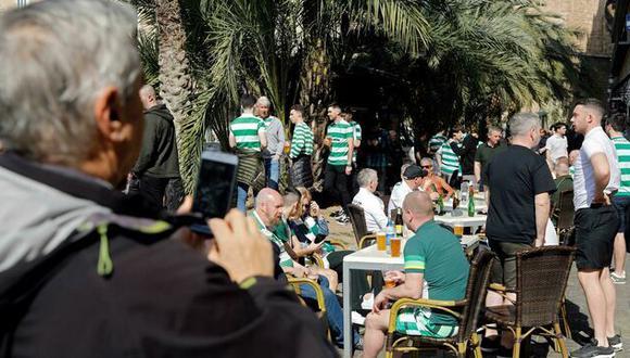 Hinchas del Celtic de Esocia. (Foto: EFE)