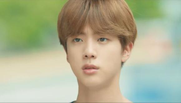 """Jin en el adelanto de """"Love Yourself"""". (Foto: Captura de YouTube)"""