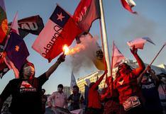 Chile cierra campaña para plebiscito constitucional con banderazo y caravana | FOTOS