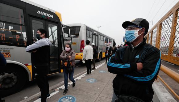 Trabajadores del serctor privado deben compensar tardanzas involuntarias. (Foto: Ángela Ponce/GEC)