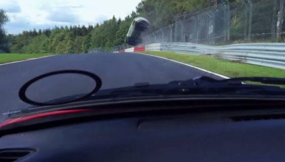 YouTube: Brutal accidente de un Renault en Nürburgring