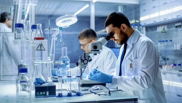 Científicos ingleses aseguran haber descubierto el mecanismo a través del cual el coronavirus penetra el cuerpo humano y contamina a las células. (Foto referencial: Shutterstock)