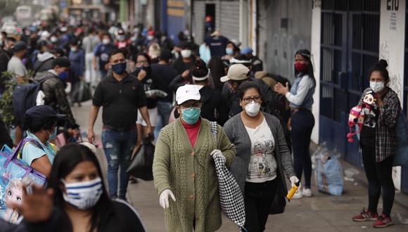 """""""A estas alturas, no cabe duda de que ni la cuarentena ni las medidas sanitarias del Gobierno van a detener la expansión del virus que, sin embargo, es posible que se vaya extinguiendo""""."""