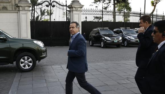 Analistas políticos consideran que la posición de Francisco Petrozzi está debilitada y su salida del Ejecutivo es cuestión de días. (Foto: GEC)