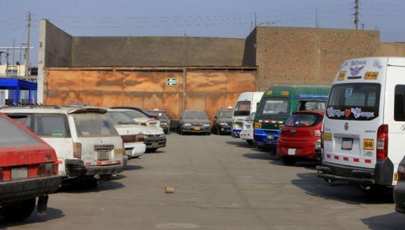 Los vehículos fueron embargados debido a que sus propietarios no cumplieron con el pago oportuno de las multas por papeletas de tránsito. (Imagen referencial/Archivo)