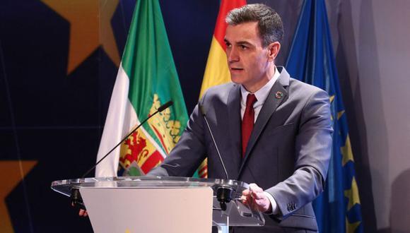 """El primer ministro español, Pedro Sánchez, pronuncia un discurso durante la presentación del """"Plan España Can. Recuperación, Transformación y Resiliencia"""" en Mérida. (Foto: AFP / LA MONCLOA / Fernando CALVO)."""