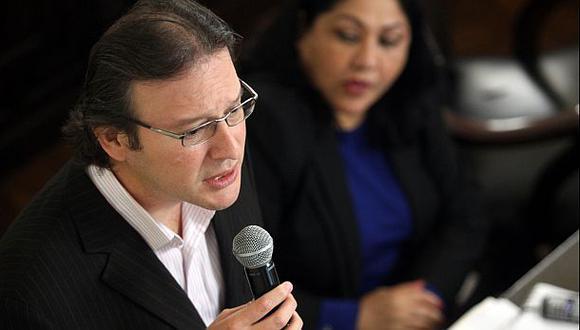 """Valenzuela: """"Secada y Santos no deben hacer campaña en la TV"""""""