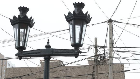 La Municipalidad de Lima, a través de Prolima, informó que han retirado cables en desuso en 50 cuadras del centro histórico. (Foto: Rolly Reyna)