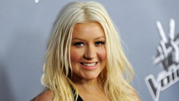 Christina Aguilera mostró desnuda su avanzado embarazo