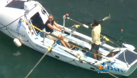 Llegaron de Marruecos a Miami en un bote a remo