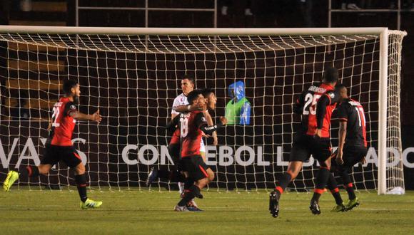 Con goles de Romero (35') y Arakaki (51'), el equipo arequipeño dio un gran paso en el duelo de ida de la tercera fase del torneo ante el club venezolano. (Foto: AFP)