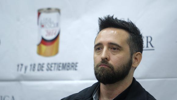 El cantante Diego Dibós se encuentra en UCI luchando contra el coronavirus. (Foto: Nancy Dueñas para El Comercio)