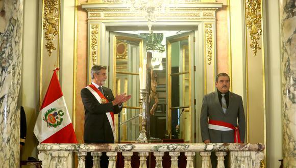 Ceremonia de juramentación del nuevo ministro del Interior se realizó en Palacio de Gobierno (Foto: Presidencia)