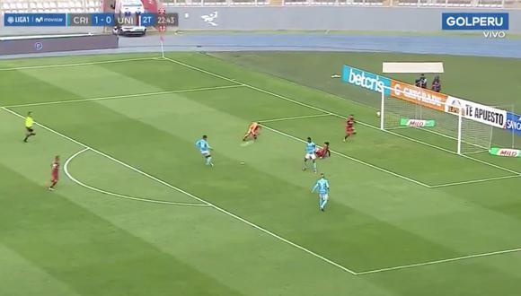 Universitario vs. Sporting Cristal: Olivares, frente al arco y sin marca, erró inmejorable ocasión de gol   VIDEO