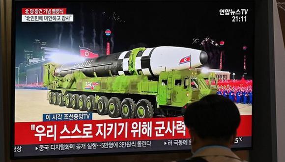 Un número de grandes misiles fue desplegado en camiones pesados durante el desfile. (Foto: Getty Images, vía BBC Mundo).