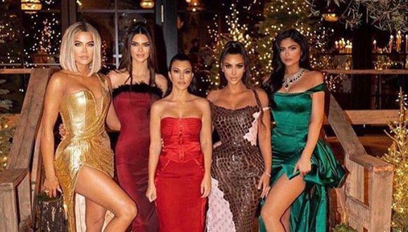 Las celebridades consiguieron la manera perfecta de continuar con su exitoso show  ¨Keeping Up With The Kardashians¨. (Foto: Instagram @kuwtk)
