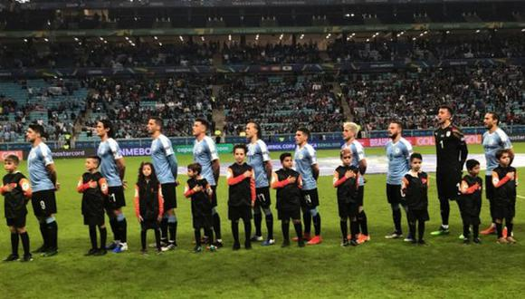 Por su cercanía con Uruguay, Porto Alegre recibió a miles de 'charrúas'. (Foto: @Uruguay)